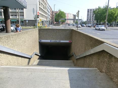 Plärrer Metro Station access