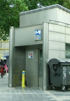 Metrobahnhof Porte de Namur