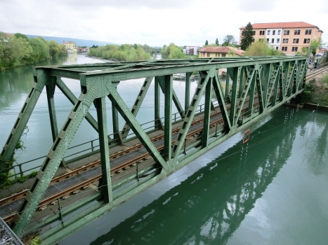 Eisenbahnbrücke über den Dora Baltea