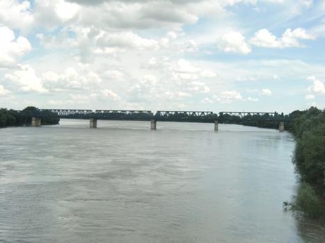 Po Ferrara railway bridge, Ponte ferroviario sul Po di Ferrara