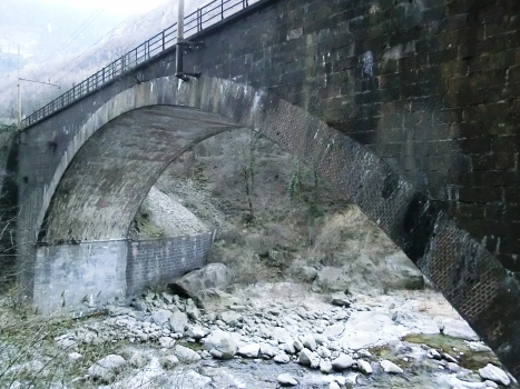 Eisenbahnbrücke über den Diveria