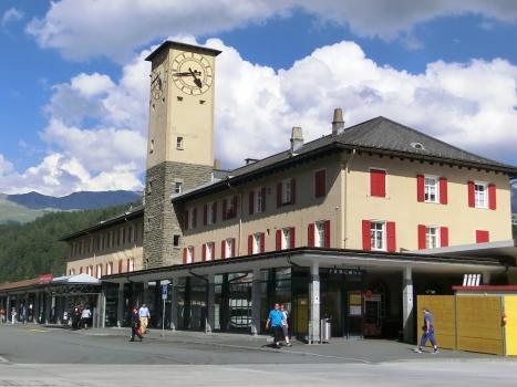 Sankt Moritz Station