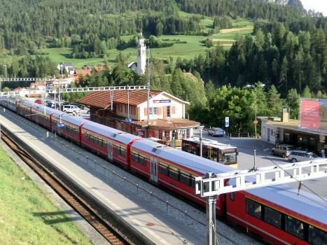 Tiefencastel Station