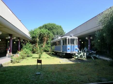 Metrobahnhof Anagnina