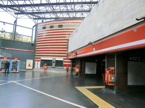 Metrobahnhof Cipro