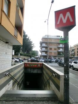 Metrobahnhof Cornelia