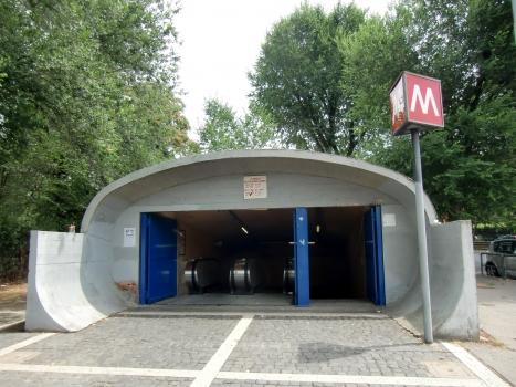 Metrobahnhof Flaminio - Piazza del Popolo