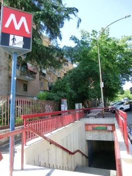 Station de métro Lucio Sestio