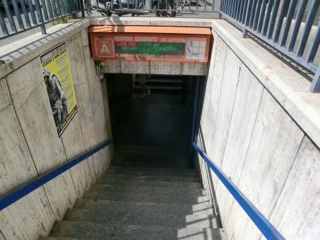 Station de métro Numidio Quadrato