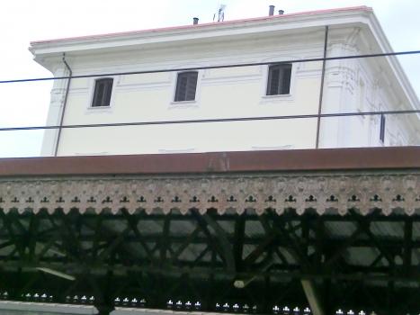 Roma Trastevere Station pensiline detail