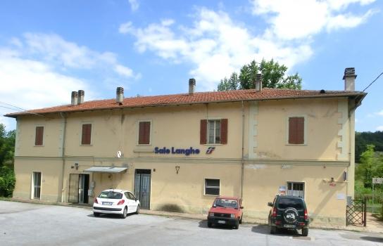 Sale Langhe Station