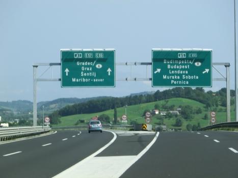 A 1 Motorway (Slovenia), A5 Motorway interchange