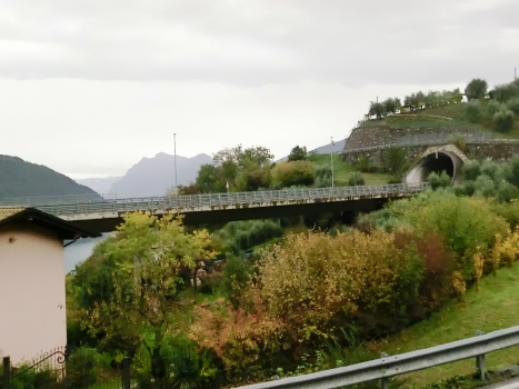 Le Valli Viaduct and San Fermo Tunnel southern portal
