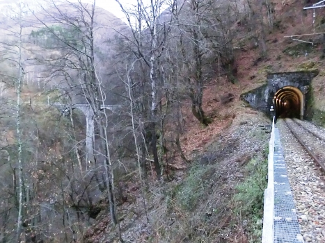 Eisenbahntunnel Mergologio