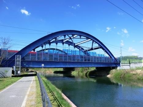 Eisenbahnüberführung über den Naviglio Grande