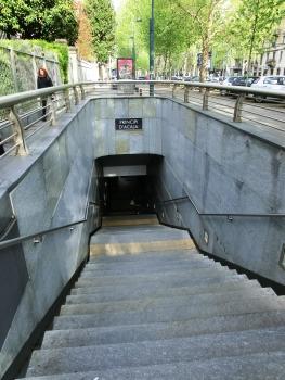 Station de métro Principi d'Acaja