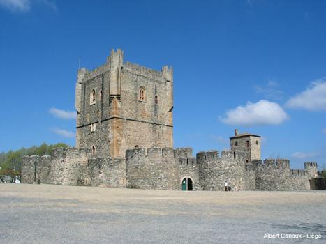 Burg Bragança
