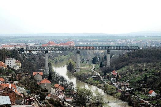 Tschechische Republik/Znojmo: Eisenbahnbrücke über die Thaya