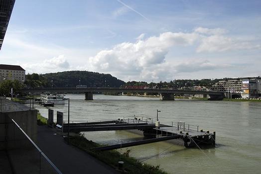 Nibelungenbrücke, Linz