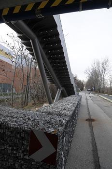 Seitenhafenbrücke