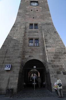 Station de métro Weißer Turm