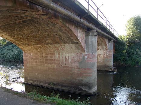 Nidda-Eisenbahnbrücke in Frankfurt