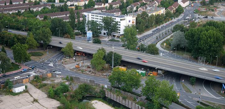 Passage autoroutier sur le carrefour Opel