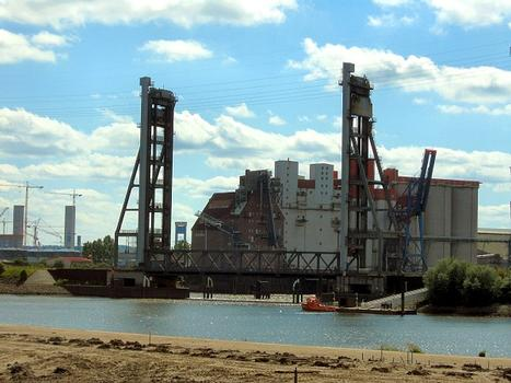 Rehte Lift Bridge