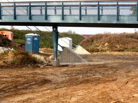 Bremen-Neustadt Footbridge across the A 281
