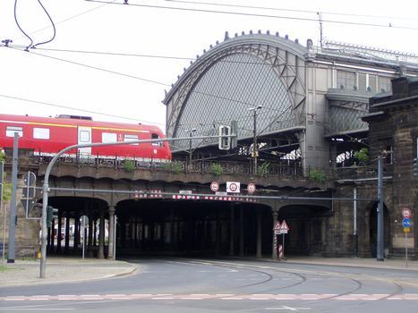 Bahnhof Dresden-Neustadt, Brücke Hansastraße/Schlesischer Platz