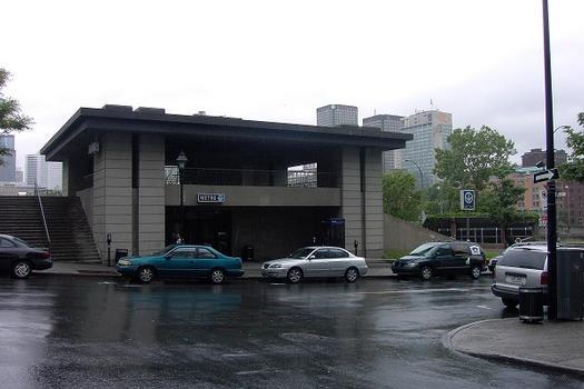 Montreal Metro - Orange Line - Champs-De-Mars station
