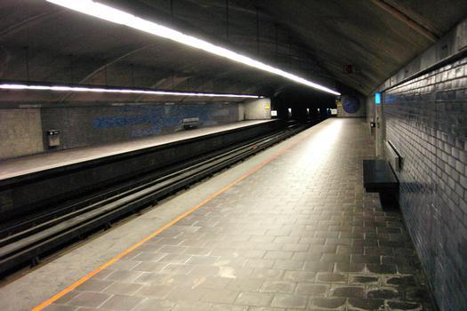 Montreal Metro - Orange Line - Georges-Vanier station