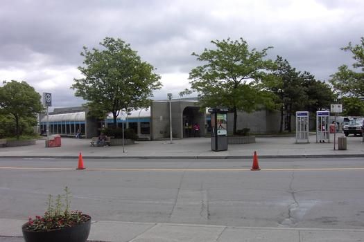 Métro von Montreal - Orange Linie - Bahnhof Vendôme