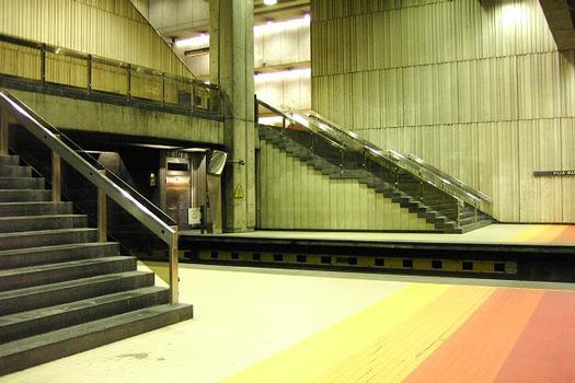 Métro von Montreal - Orange Linie - Bahnhof Villa-Maria