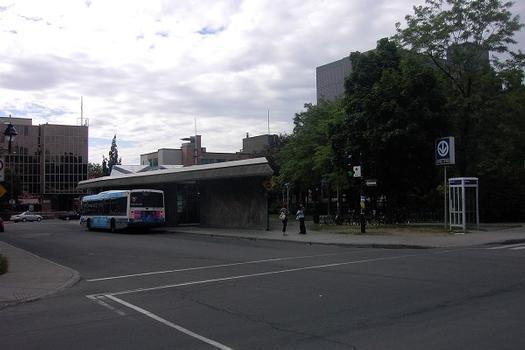 Montreal Metro - Orange Line - Laurier station