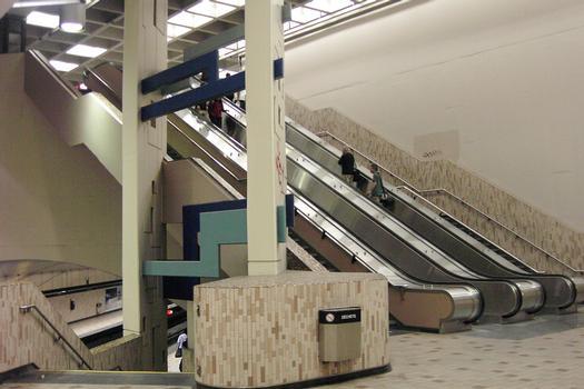 Montreal Metro - Orange Line - Crémazie station