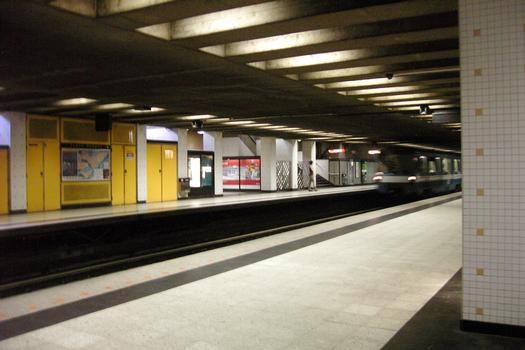 Montreal Metro - Orange Line - Place-D'Armes station