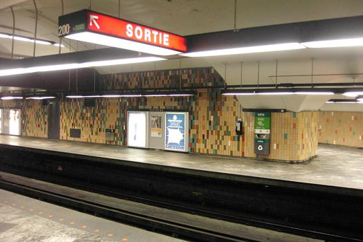 Montreal Metro Green Line - Papineau Station