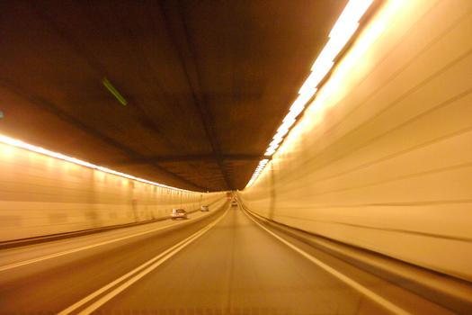 Tunnel Louis-Hippolyte-LafontaineDébut de la partie sous fluviale direction sud
