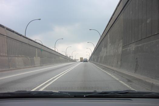 Tunnel Louis-Hippolyte-LafontainePortail sud, tube sud sur l'île Charron