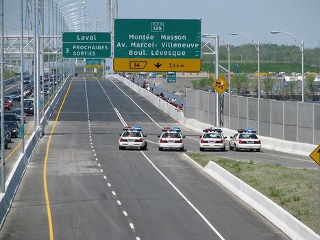 Le samedi 21 mai 2011 à 13:15 Hrs. Inauguration officielle du pont. Ce qui pendant quatre décennies semblait utopique est devenu réalité