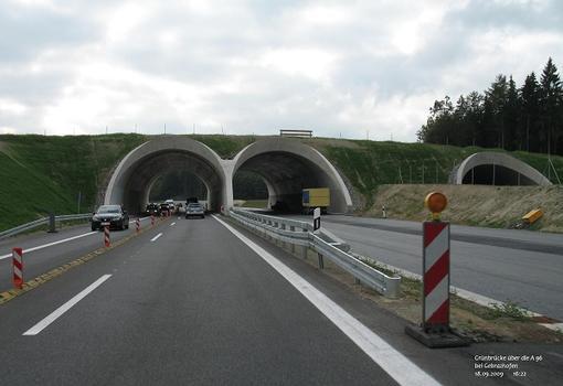 Grünbrücke über die A 96 bei Gebrazhofen