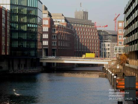 Hamburg Slamatjenbrücke