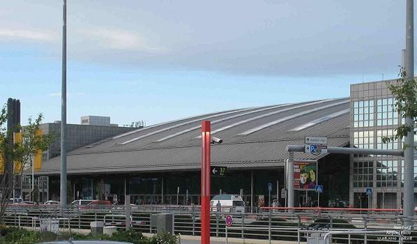 Hamburg Airport - AirportPlaza