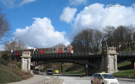 Hamburg U-Bahnbrücke Helgoländer Allee