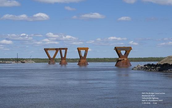 Deh Cho Bridge Mackenzie River Yellowknife Highway near Ft. Providence / NWT
