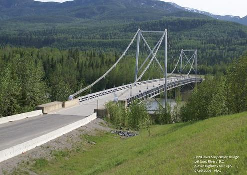 Liard River Suspension Bridge bei Liard River / B.C – Alaska Highway Mile 496