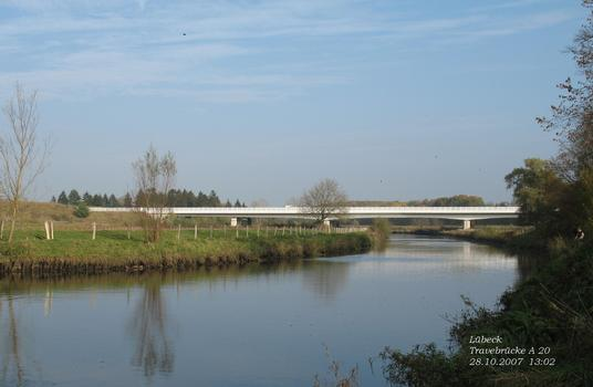 Travebrücke A 20 bei Lübeck