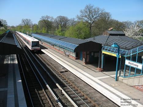 U 1 Subway Line (Hamburg) – Richtweg Metro Station