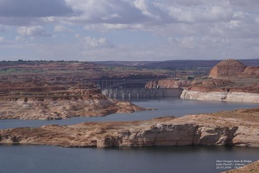 Glen Canyon Dam & Bridge in Lake Powell / Page / Arizona